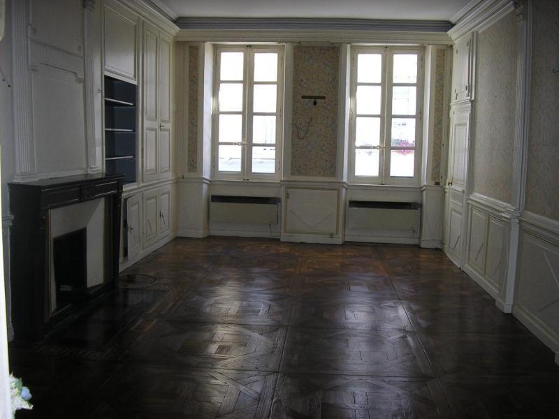 Location appartement Nantua 370€ CC - Photo 3