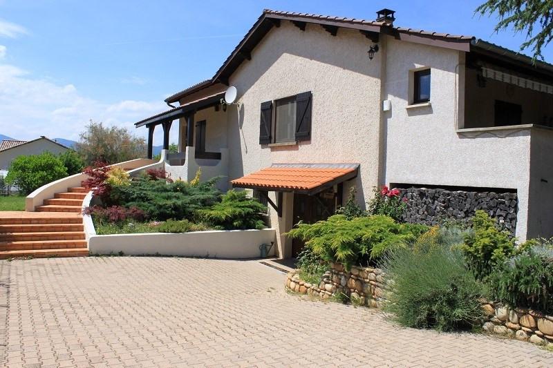 Sale house / villa Clonas sur vareze 335000€ - Picture 1