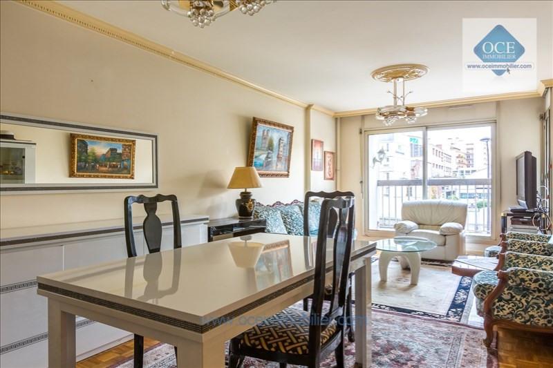 Deluxe sale apartment Paris 10ème 970000€ - Picture 2