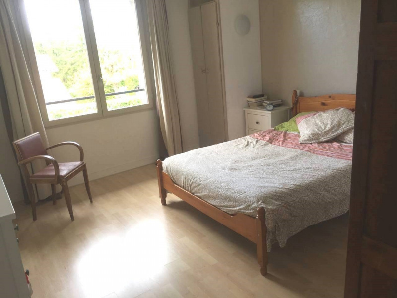 Investment property house / villa Gensac-la-pallue 420000€ - Picture 12