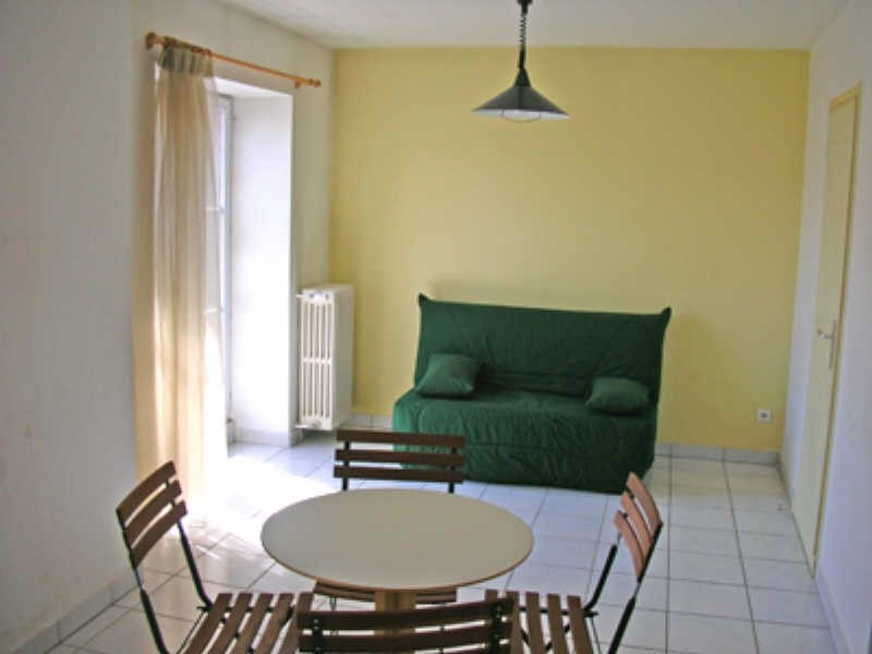 Rental apartment Le puy en velay 341,75€ CC - Picture 2