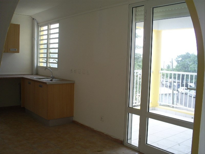 Rental apartment Ste rose 730€ CC - Picture 6