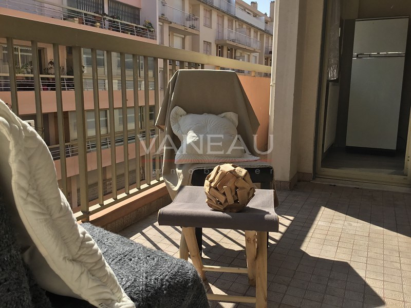 Vente de prestige appartement Juan-les-pins 220 000€ - Photo 1