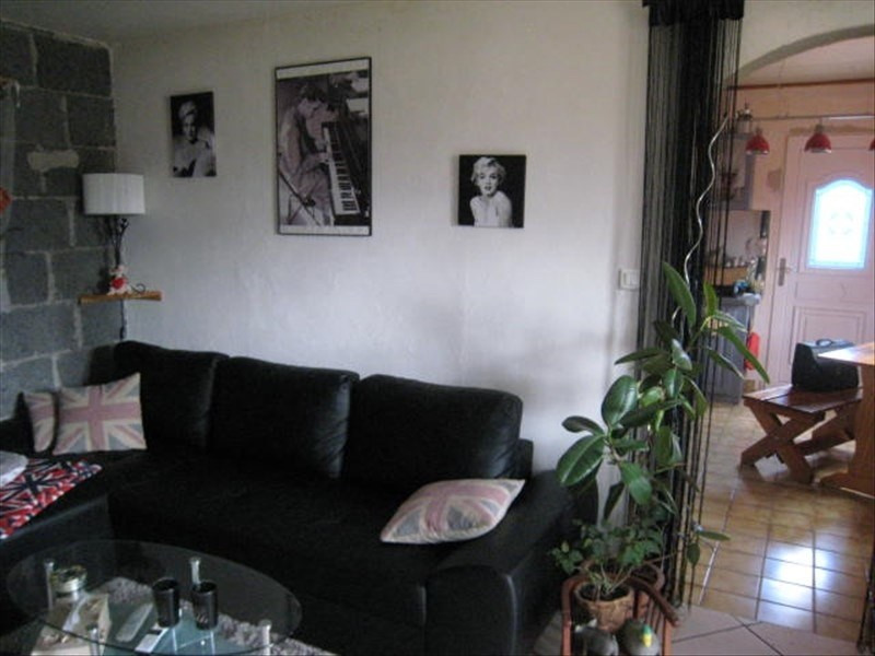Vente maison / villa Puy guillaume 70850€ - Photo 3