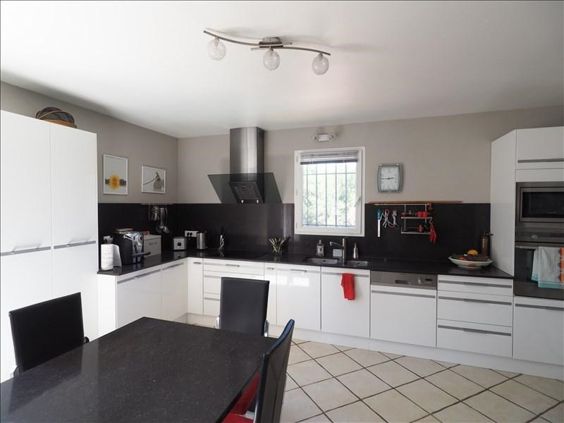 Sale house / villa Pierrevert 430000€ - Picture 4