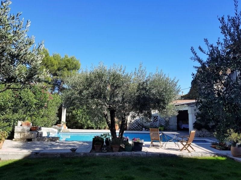 Deluxe sale house / villa Barbentane 580000€ - Picture 1