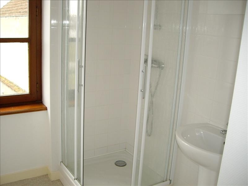Location appartement Vougy 360€ CC - Photo 4