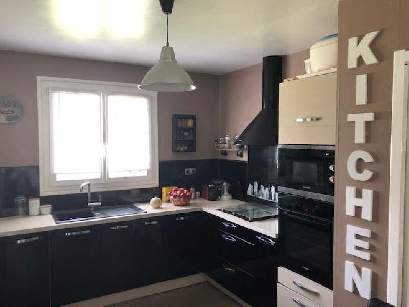 Sale house / villa Lesigny 380000€ - Picture 4