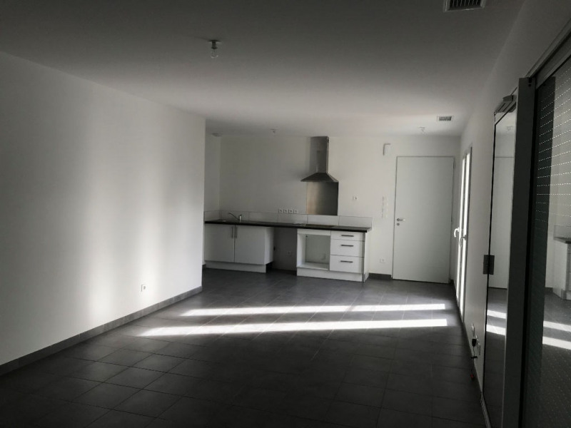 Location maison / villa Merville 1 050€ CC - Photo 3