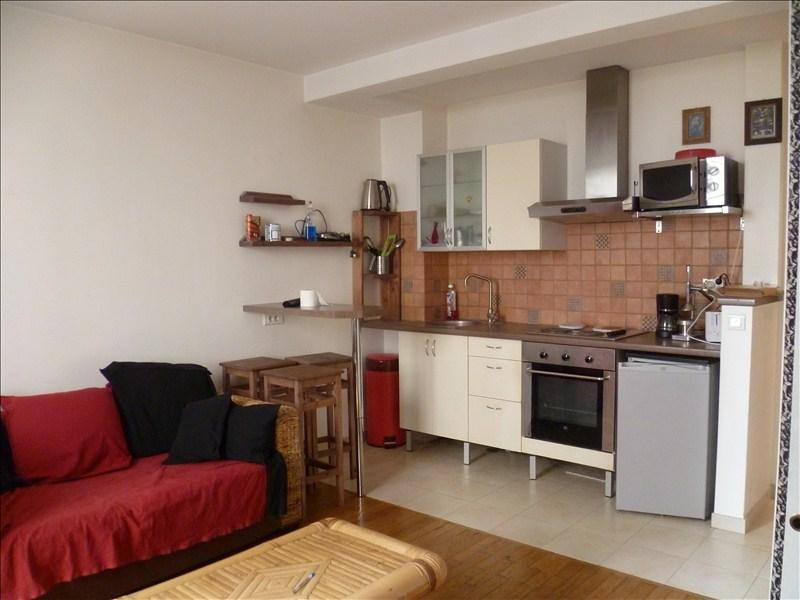 Location appartement Paris 18ème 905€ CC - Photo 1