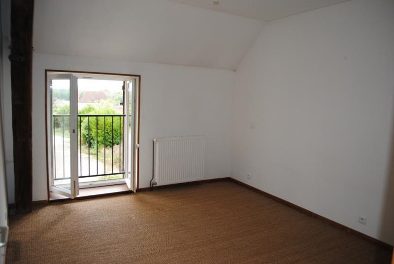 Rental apartment Maligny 430€ CC - Picture 5