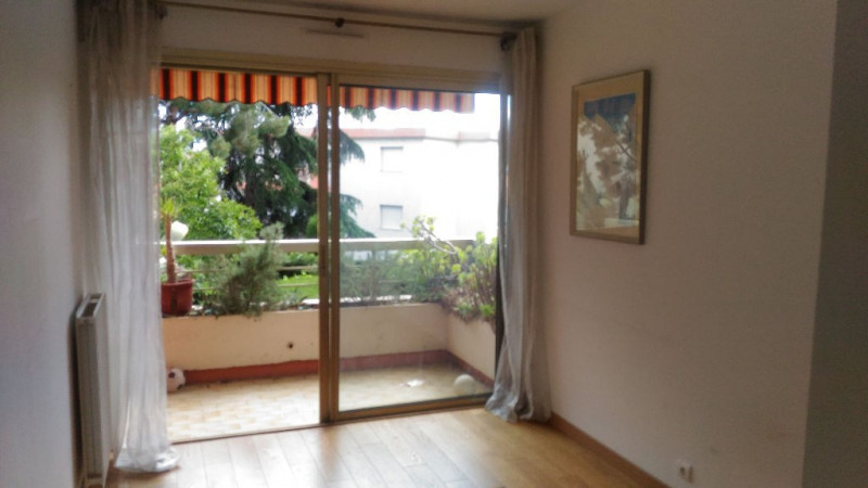 Location appartement Saint laurent du var 920€ CC - Photo 6