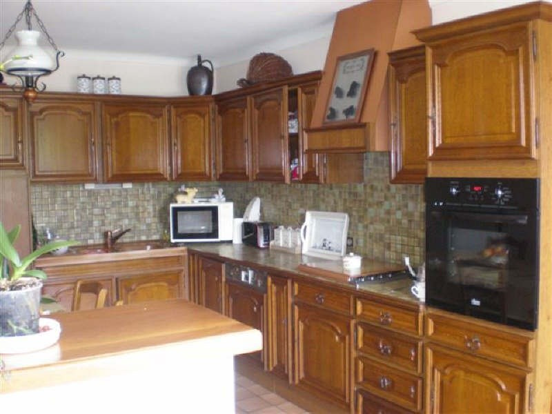 Sale house / villa Periers 132350€ - Picture 2