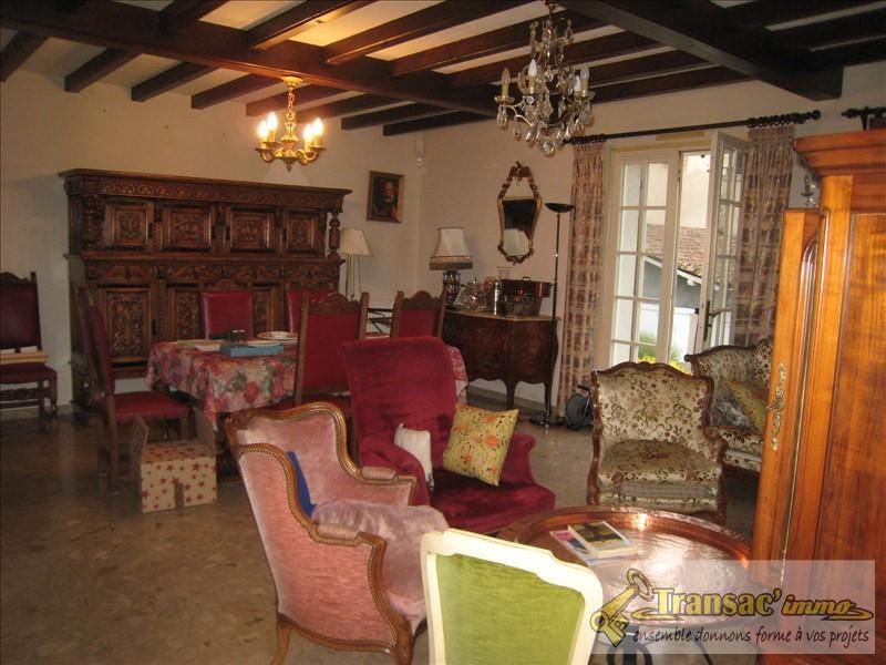 Sale house / villa Puy guillaume 196100€ - Picture 5