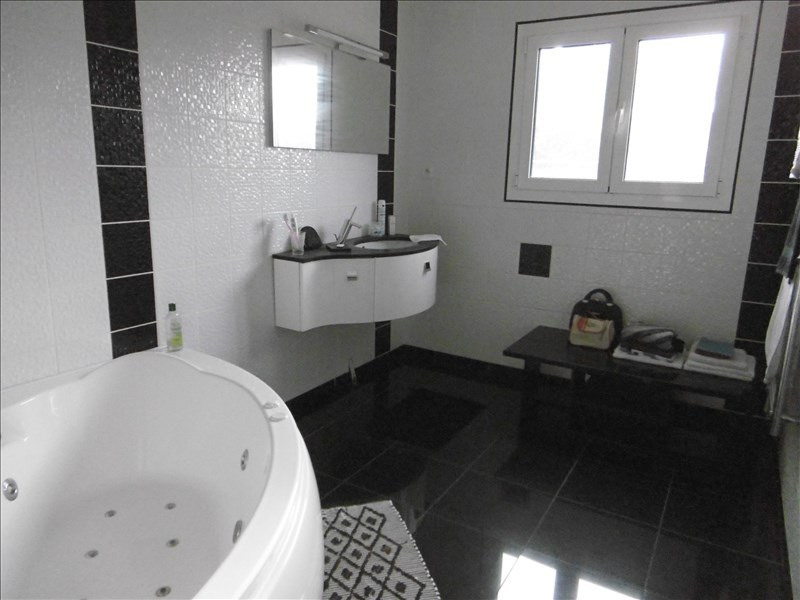 Vente maison / villa St quentin 212500€ - Photo 5
