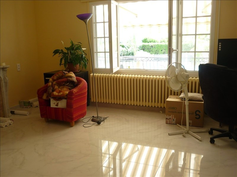 Location maison / villa Milhaud 1 435€ CC - Photo 4