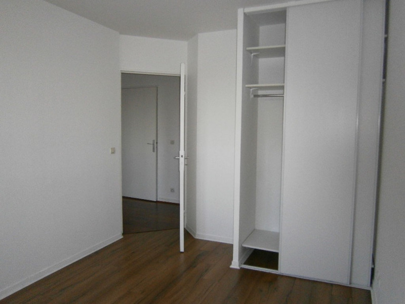 Location appartement Guyancourt 950€ CC - Photo 7