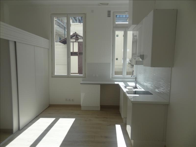 Location appartement Levallois 820€ CC - Photo 1