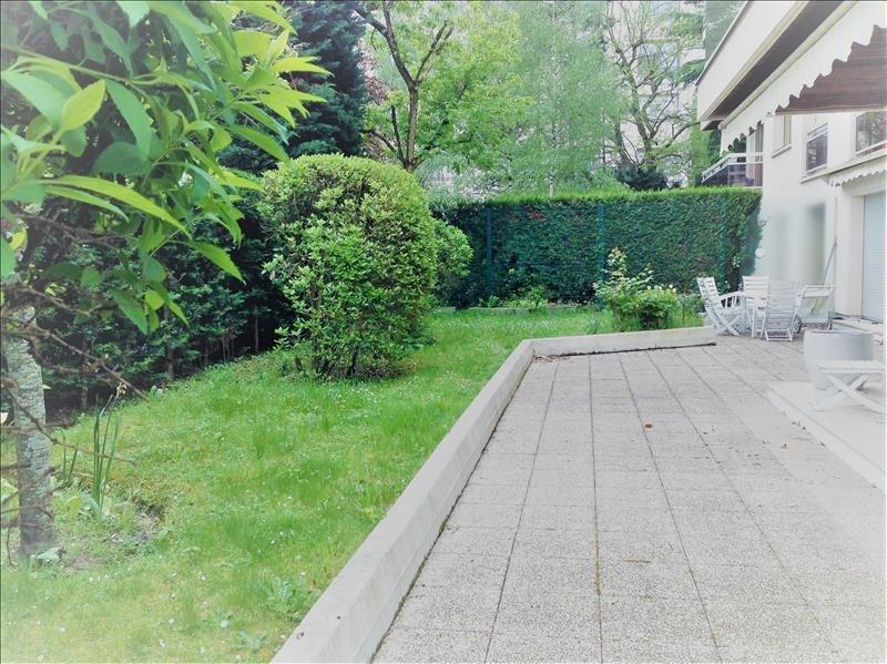 Deluxe sale apartment Saint-cloud 1050000€ - Picture 1
