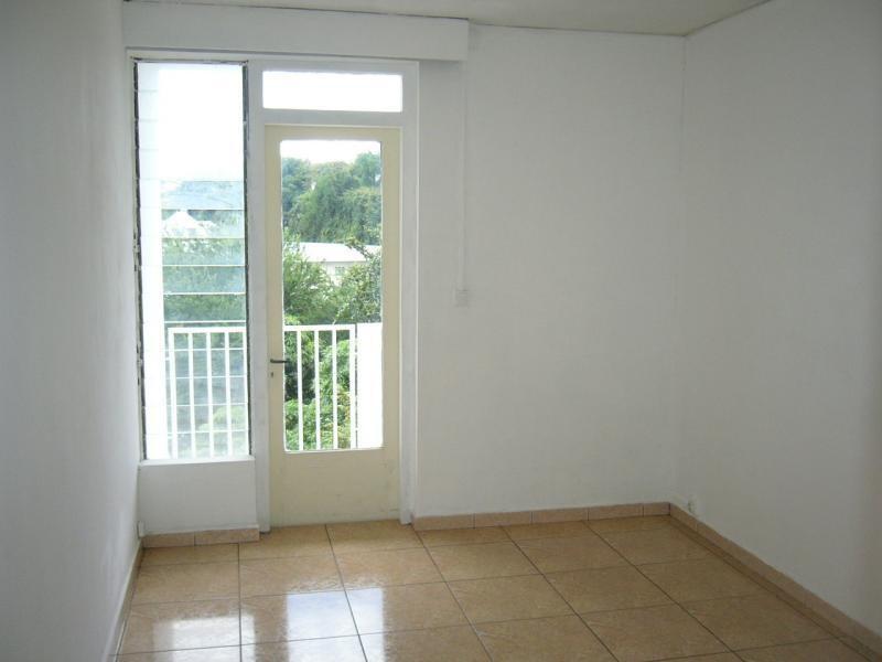 Sale apartment St denis 83000€ - Picture 2