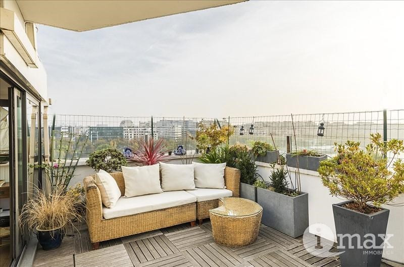 Sale apartment Courbevoie 615000€ - Picture 1