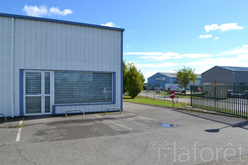 Location local commercial Bessieres 800€ CC - Photo 1