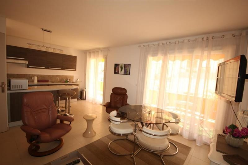 Rental apartment Juan les pins  - Picture 2