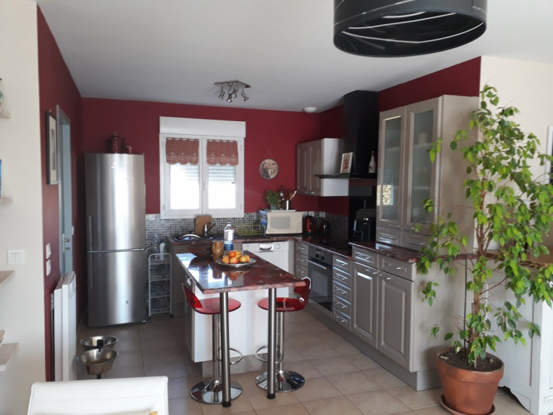 Sale house / villa Douzat 169060€ - Picture 2