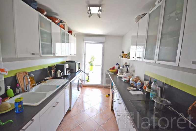 Rental apartment Villeurbanne 1 200€ CC - Picture 5