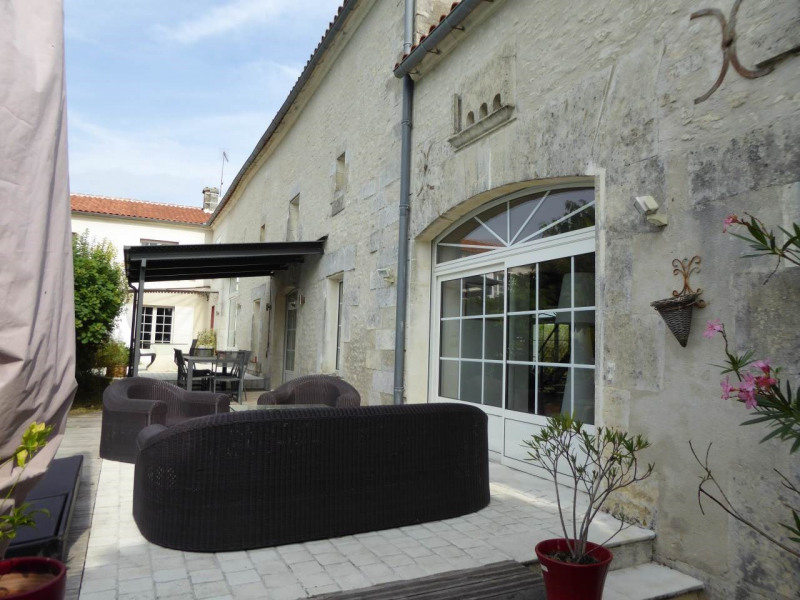 Deluxe sale house / villa Saint-laurent-de-cognac 695 000€ - Picture 3