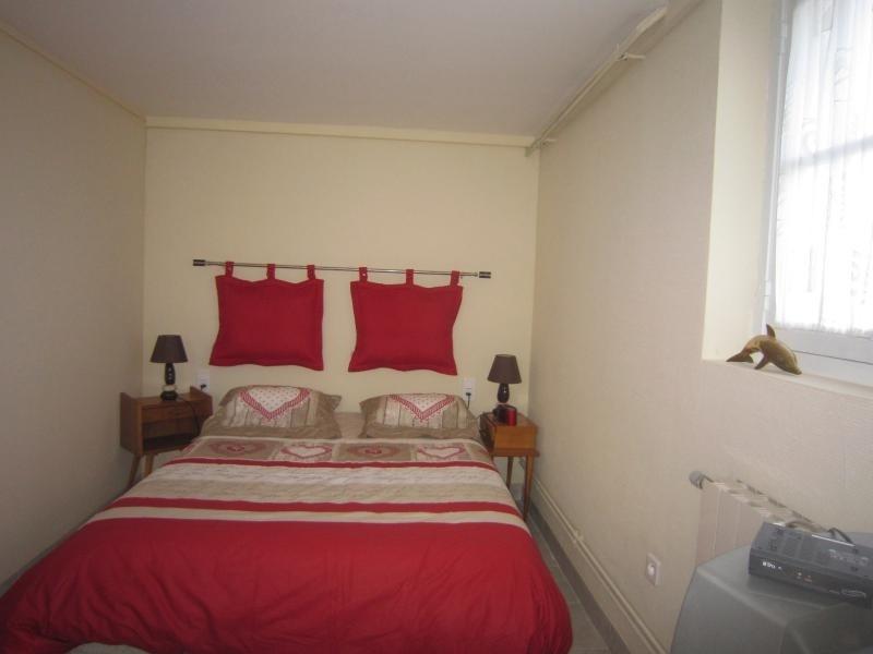 Sale house / villa Siorac en perigord 233200€ - Picture 12