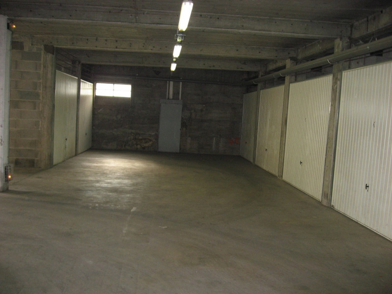 Location parking Oullins 78€ CC - Photo 1