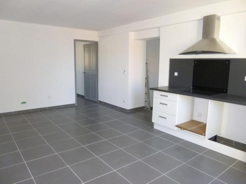 Rental apartment Entraigues sur la sorgue 648€ CC - Picture 8
