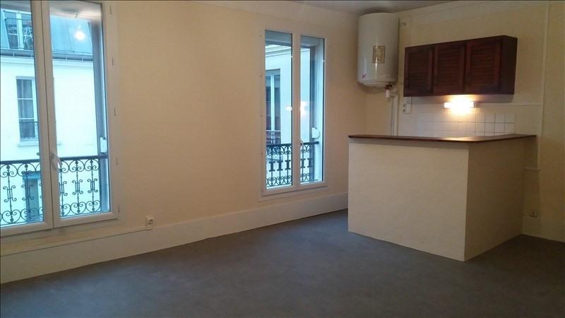Locação apartamento Paris 10ème 838€ CC - Fotografia 2