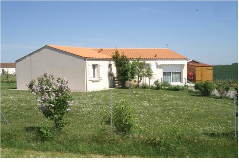 Vente maison / villa Tonnay-boutonne 163240€ - Photo 1