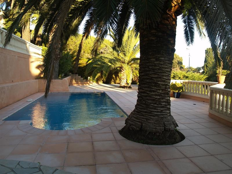 Sale house / villa Les issambres 1 300 000€ - Picture 1
