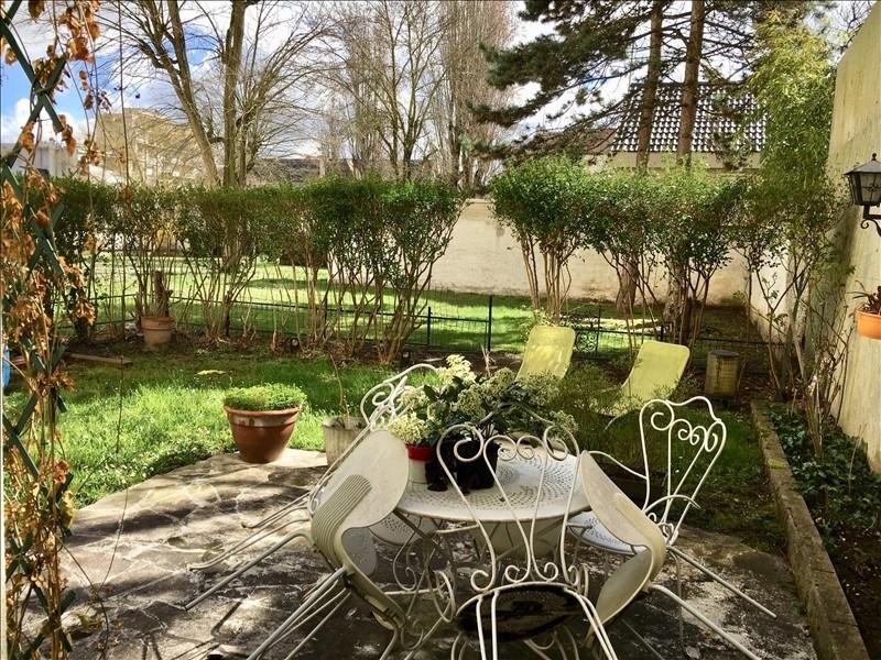 Sale apartment Nanterre 399000€ - Picture 1
