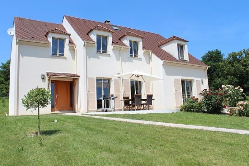 Sale house / villa Orgeval 665000€ - Picture 1