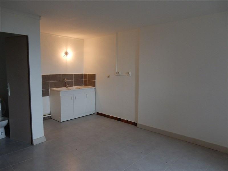Location maison / villa St ismier 900€ CC - Photo 8