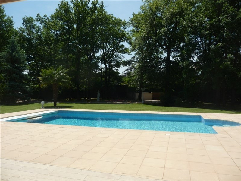 Deluxe sale house / villa Charbonnieres les bains 1230000€ - Picture 2