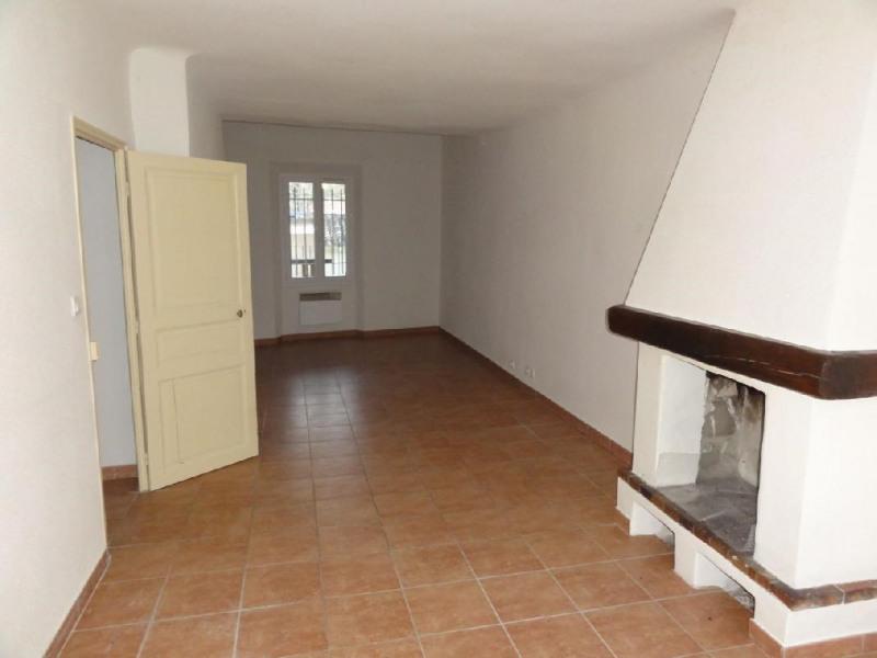 Location appartement Le beausset 820€ CC - Photo 2