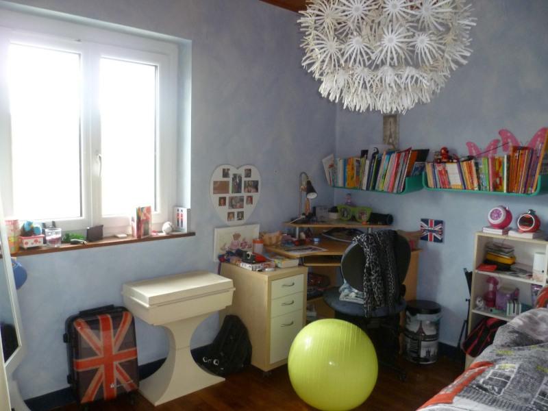 Sale house / villa Bessenay 230000€ - Picture 9