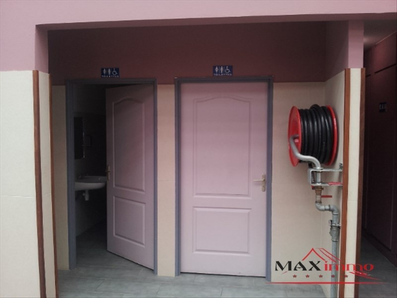 Location local commercial St pierre 2213€ HT/HC - Photo 3