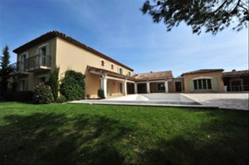Deluxe sale house / villa Mallemort 1317900€ - Picture 1