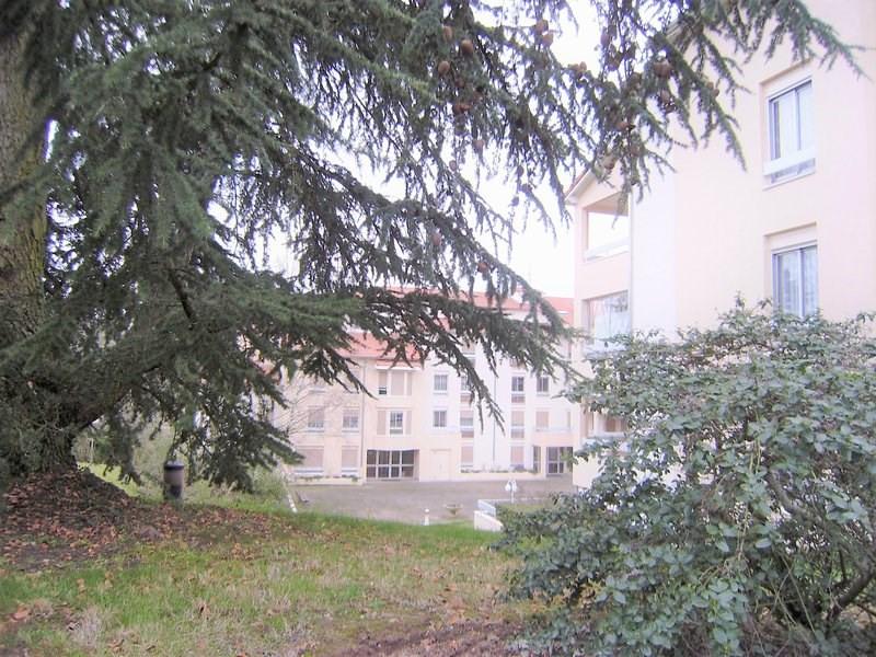 Sale apartment Charbonnieres les bains 199000€ - Picture 2