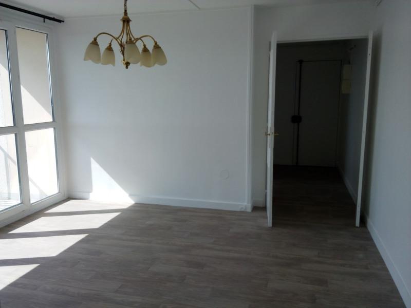 Rental apartment Eaubonne 795€ CC - Picture 1