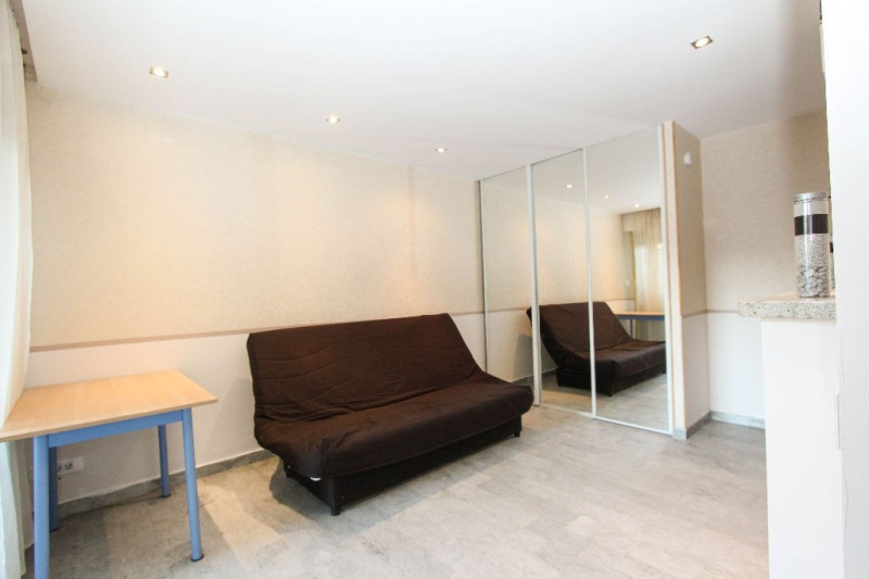 Sale apartment Antibes 127000€ - Picture 2