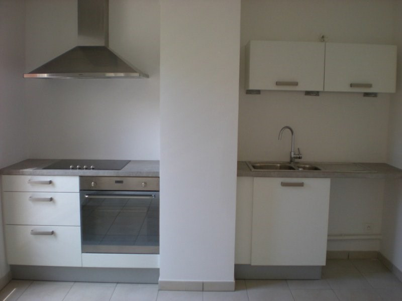 Location appartement Tassin-la-demi-lune 937€ CC - Photo 9