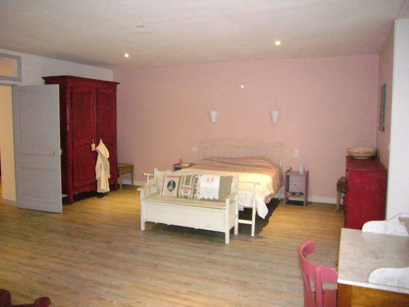 Sale house / villa Agonac 316900€ - Picture 5