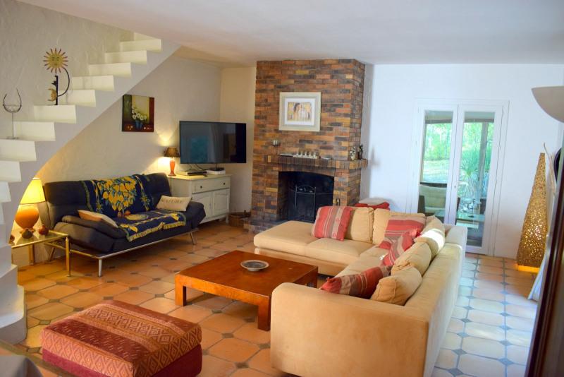 Vendita casa Bagnols-en-forêt 590000€ - Fotografia 10
